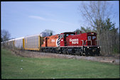 CP MP15AC 1446 (12.04.2010, Ingersoll, ON, (mit GP9r 1614))