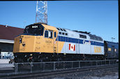 VIA F40PH-2 6434 (04.2004, Brockville, ON)