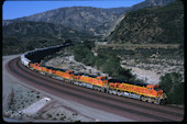 BNSF ES44DC 7768 (29.04.2011, Cajon Pass MP66, CA)