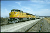 UP C40-8W 9400 (04.1996, Council Bluffs, IA)
